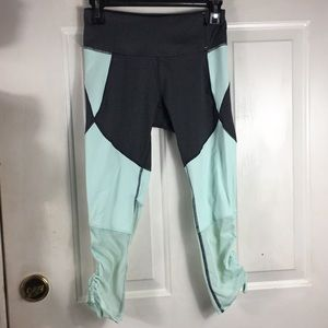 Calia -Carrie Underwood gray/green workout capris
